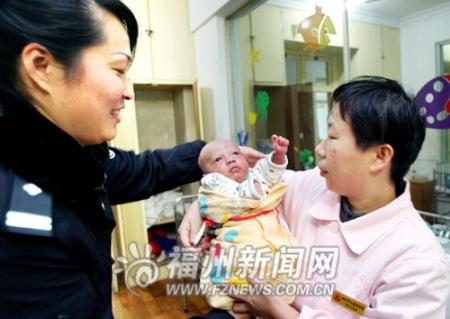 收养男婴先交6万 一贩婴团伙被榕警方摧毁