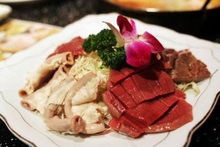 生活频道 美食 吃遍八闽 > 正文    (海鲜拼盘——肥硕的带子,精巧的
