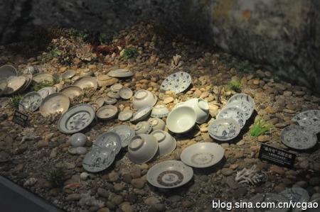 泰兴号古沉船打捞起来的德化瓷,德化窑的白瓷是海上丝绸之路的大宗货物