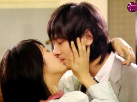 男人需知:女人最渴望的是哪种亲吻