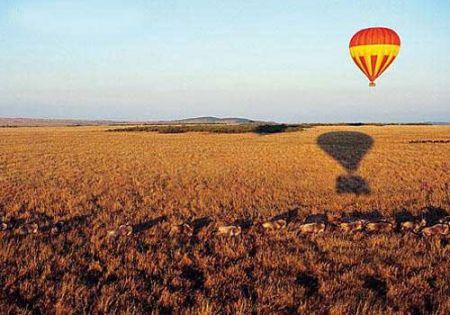 肯尼亚热气球上看动物大迁徙