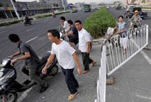 城市道路隔离护栏的存废之争