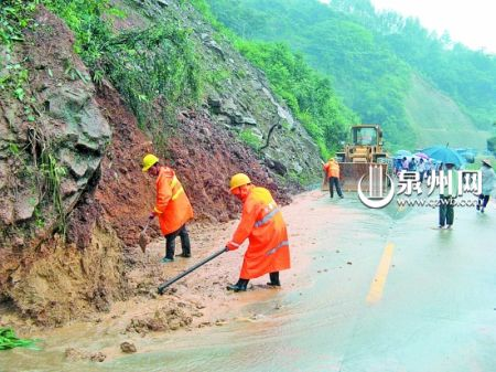 """""""鲇鱼""""造成洪涝灾害 泉直接经济损失0.67亿(图)"""