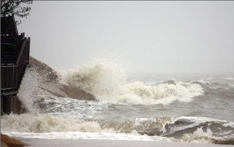 厦门:沿海出现风暴潮