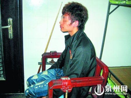 这个小偷是公交司机老林在当天上午抓获的