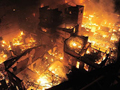 木屋区几十户烧成火海