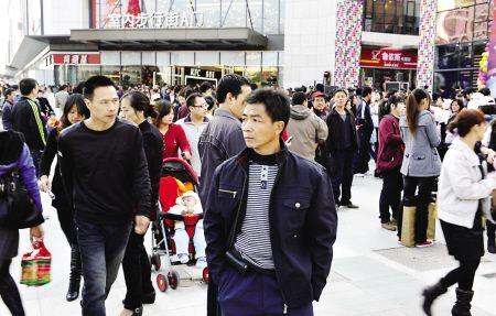 福州首个万达广场 昨开业首日迎客超30万