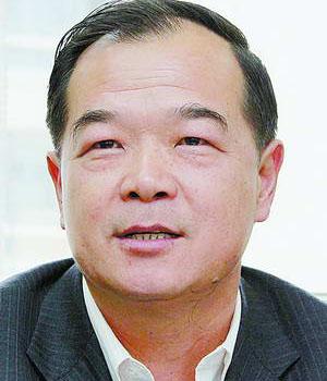 集美区委副书 记洪成