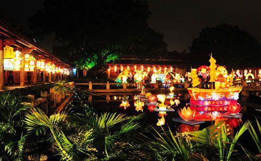 闹元宵:泉州最古老的花灯会