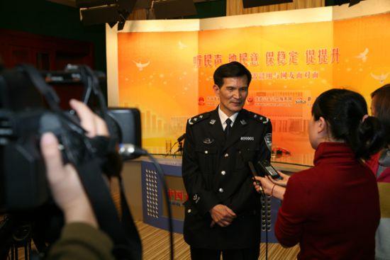 访谈过后郭韶翔接受记者采访