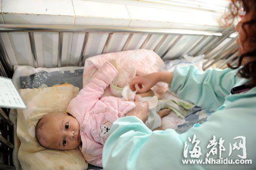 长乐男婴因先天性心脏病被父母遗弃(图)