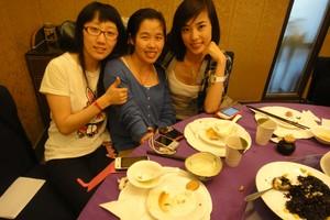 三位美女团员