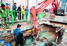 首先,地下管线分布复杂 施工难度大
