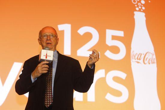 可口可乐公司全球文化典藏副总裁菲尔Ÿ穆尼先生分享可口可乐百年品牌传奇