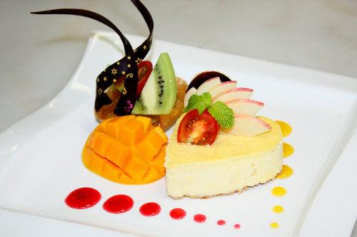 水果繽紛蛋糕簡筆畫