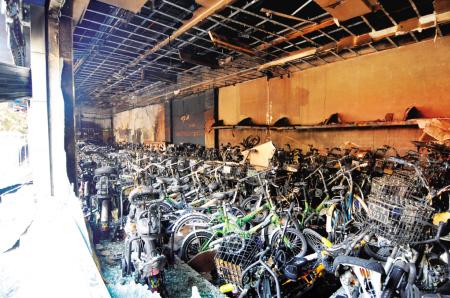 许多电动车被烧
