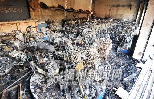 近百辆车烧毁
