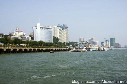 风景照片,尤其是早上,站在厦门码头看鼓浪屿的风光