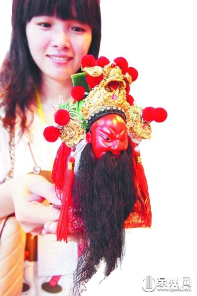 旅游商品展上的泉州木偶头