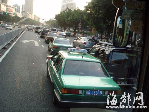 医博会给福州出租车运营带来不少考验图片