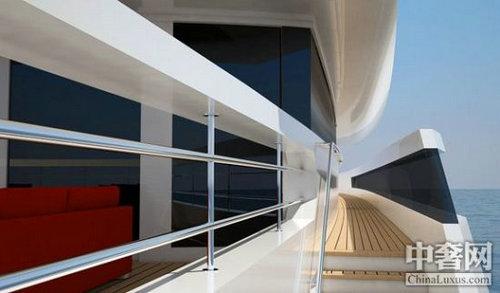 主人房位于主甲板,里面设有办公室,独立卧室和嵌入式衣柜.