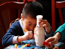 最小的手绘达人绘瓶子
