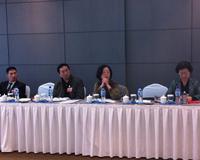 市政协委员们的热烈讨论