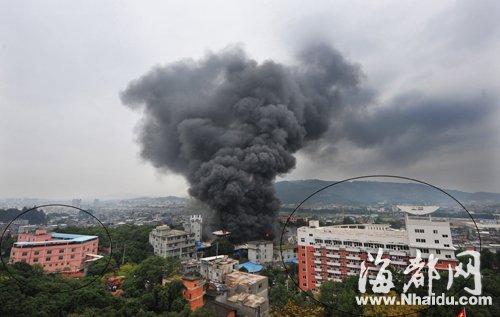 画圈的是紧邻火灾工厂的两家福利院