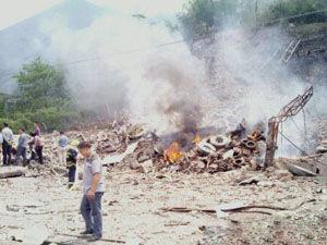 龙岩一汽修厂爆炸导致家属楼坍塌