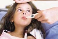 医生:小孩夏季发烧慎用退烧药