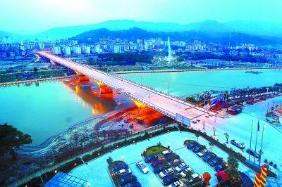 正在加紧建设中的尤溪水东新城(夜景)。