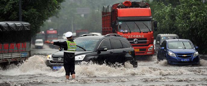 重庆遭遇强降雨袭击