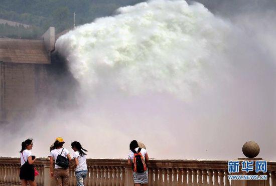 黄河实施汛前调水调沙实拍现场壮观景象