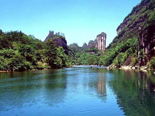名山名水风景美女图片