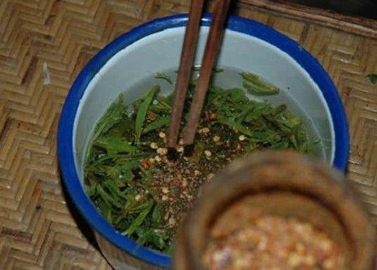 基诺族的凉拌茶