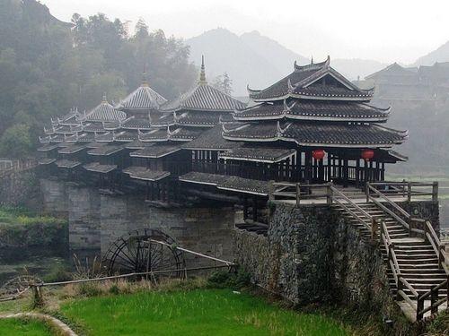 旅游 旅游资讯 正文     中国三江县:程阳风雨桥 在中国广西省,侗族