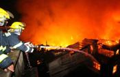 福州台江凌晨突发大火 疏散300余人