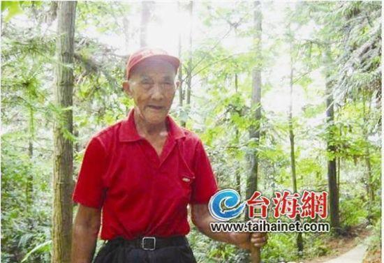 ▲刘宝仁老人虽已高龄,身体倍棒