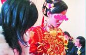 泉州黄金新娘结婚佩戴十斤金饰
