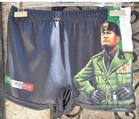 法西斯独裁者式的男士平腿泳裤