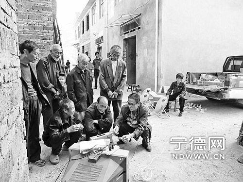 寿宁广播电视技术员实现村村通卫星电视工程