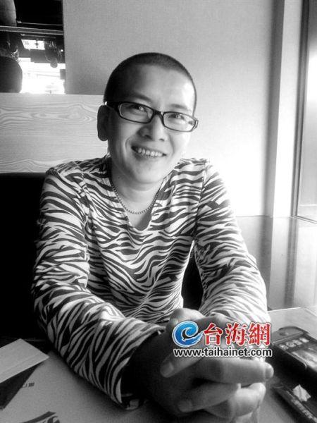 中国首例公开身份女变男易性者 称做男人不后悔