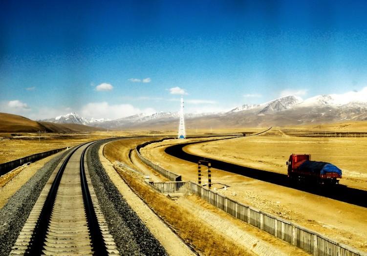 不把站火车当成受罪。享受旅程的风景吧… ^_^