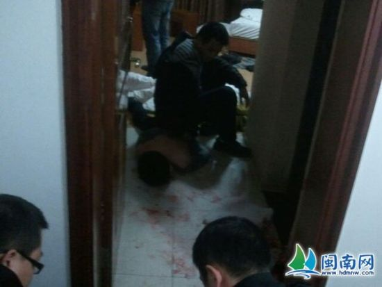 安溪民警宁德抓捕嫌犯 遭持刀拒捕被连捅2刀