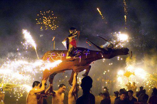 元宵节习俗之神赛会烧火龙