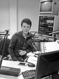 沙县帅小伙在洛杉矶广播里向海内外介绍三明