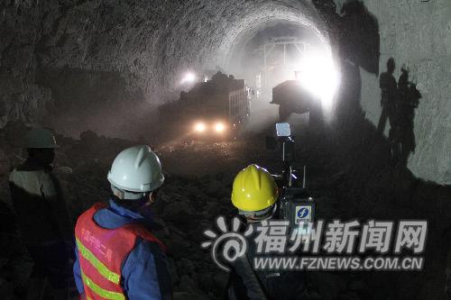 京福铁路闽赣段梧山隧道