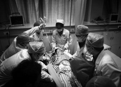 市一医院的医生为智障妈妈诊断