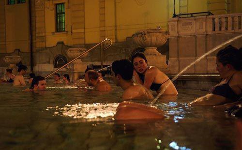 匈牙利露天澡堂