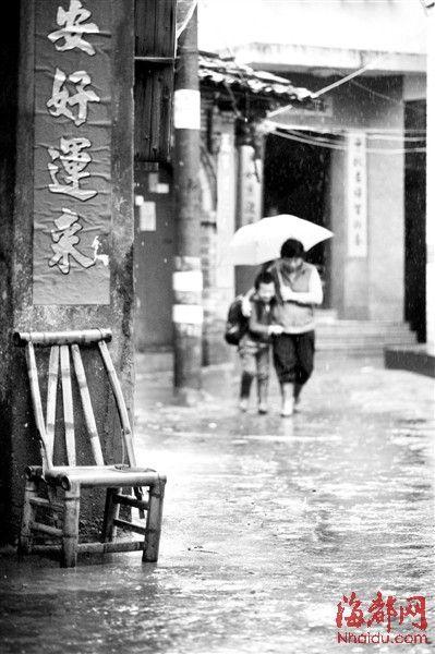 李泉孩童时期与曾阿姆朝夕相处的那条巷子现在面临拆迁
